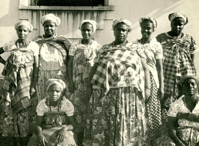 Cada um de nós é uma centelha dos Orixás. Compreender a dimensão africana da velhice é compreender por que os iniciados no mistério não morrem.