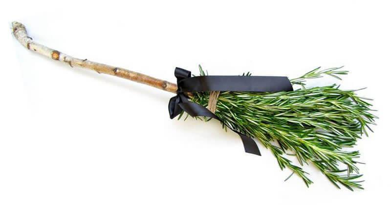 Desvendando Exu | Arole Cultural: Odus de Nascimento e Jogo de Búzios | Acesse o site e aprenda a criar a sua vassoura de purificação - um bastão xamânico com o poder das folhas sagradas