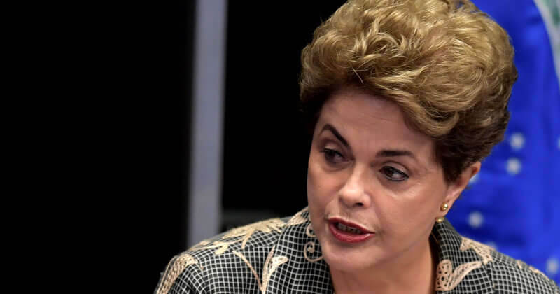 Arole Cultural: Arole Cultural | [ UPDATE 15:01h ] O Senado Federal aprovou o afastamento definitivo da presidenta Dilma Roussef. Entretanto, conforme a previsão do Odu Ossá, numa...