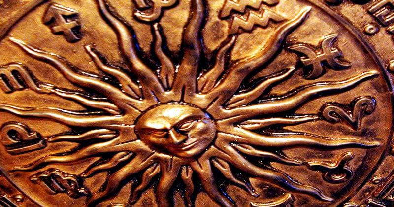 Desvendando Exu | Arole Cultural: Odus de Nascimento e Jogo de Búzios | A magia é a arte de manipular os elementos da natureza de maneira sutil para, através de sua força e energia, atingir os nossos objetivos. As diversas...